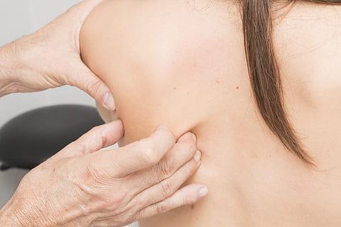 العلاج بالضغط على نقاط الجسم